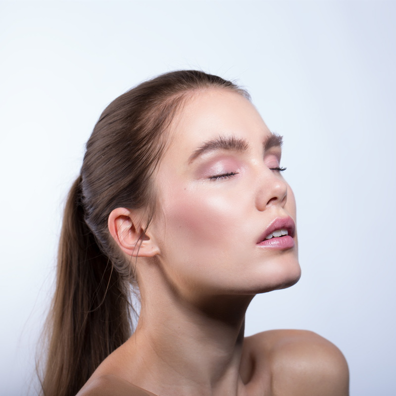 Nui Cosmetics Cream Blush Tiakarete Model